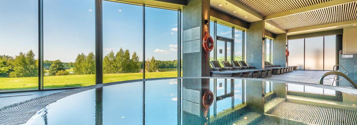 Klasikinis su dviem lovomis ir įėjimu į AQUA baseiną